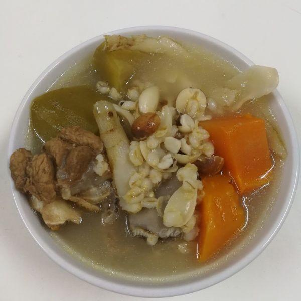 青紅蘿蔔清補涼湯